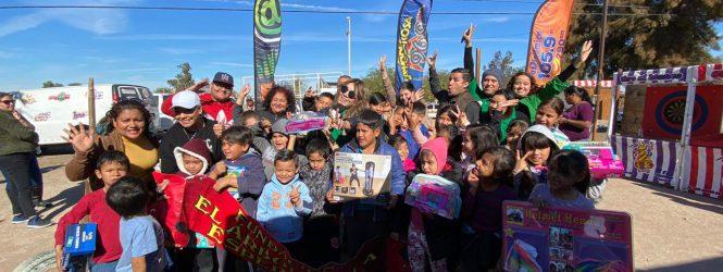 Radiorama Mexicalli. Entrega de juguetes a niños de escasos recursos